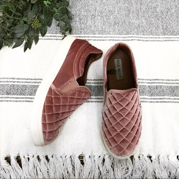 steve madden pink quilted shoes